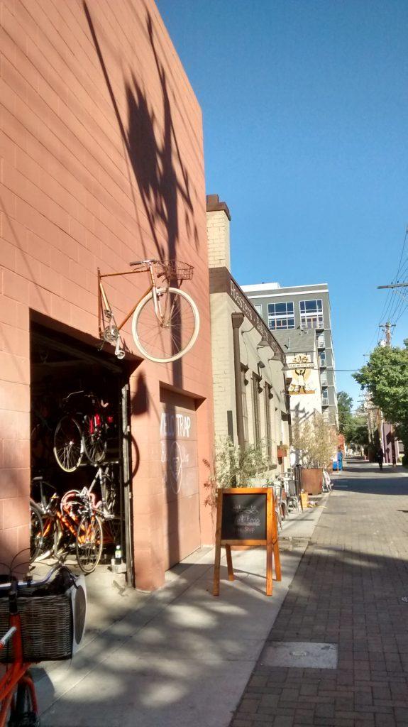 Alley. Primeros días en Sacramento. Calafiana